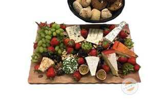 Afbeelding van Kaasschotel met fruitbrood